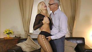 Pantyhose porn with young Kiara