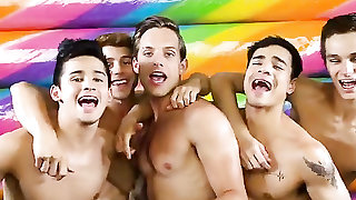 Topless gay guys dancing to tease you