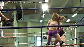 Les babe rimming ass after wrestling
