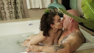 Soapy bath and steamy sex with Gabriella Paltrova and Derrick Pierce