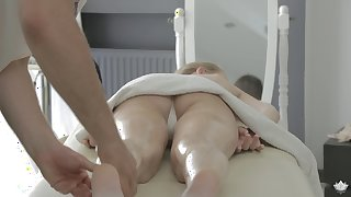Steamy massage and fantastic pussy exhausting with lusty Kortny